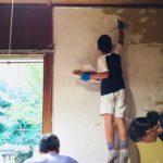 古い板壁を漆喰壁にDIY