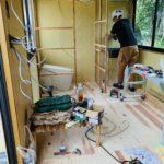 中古プレハブをおしゃれにリフォーム・内装編「フローリングを貼る・壁の下地をつくる」